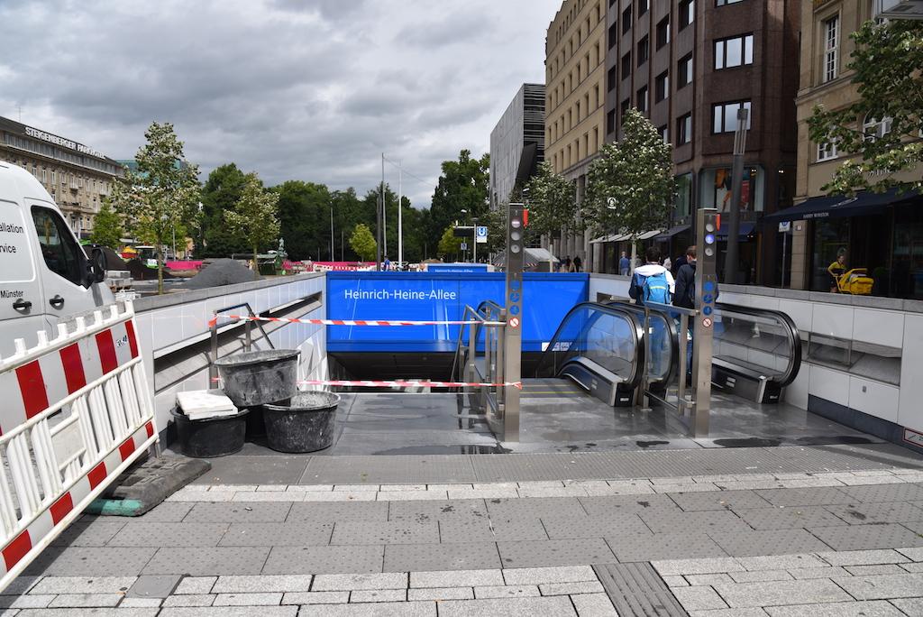 Arbeiten an der U-Bahnstation Heinrich-Heine-Allee Foto: LOKALBÜRO