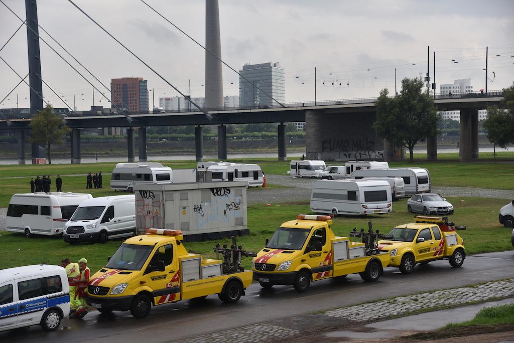 Abschleppwagen in Warteposition Foto: LOKALBÜRO