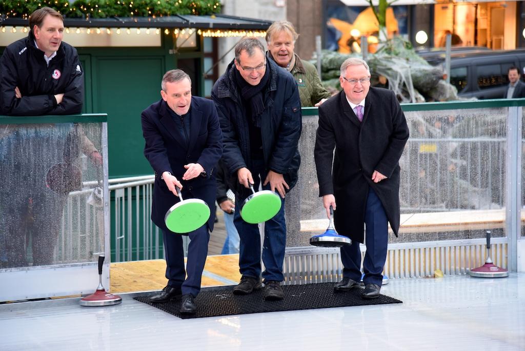 Probelauf Oberbürgermeister Thomas Geisel, Oscar Bruch jun. und Manfred Abrahams Foto: LOKALBÜRO