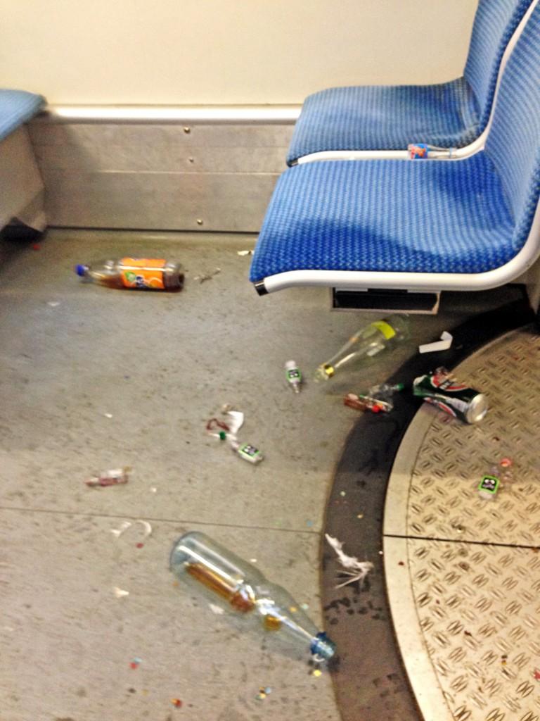 Flasche in Bahn