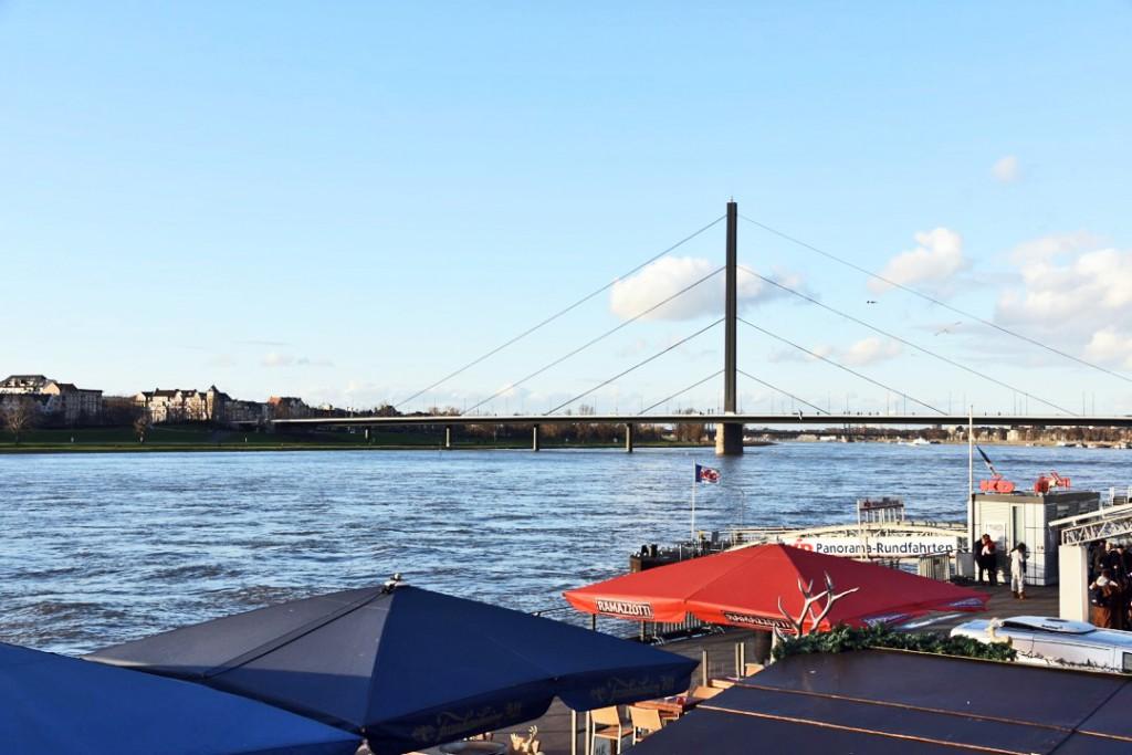 Wieder ganz schön breit: Vater Rhein Foto: Lokalbüro