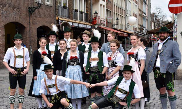Trachtenumzug in der Altstadt