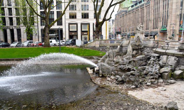 Tritronenbrunnen wieder angestellt