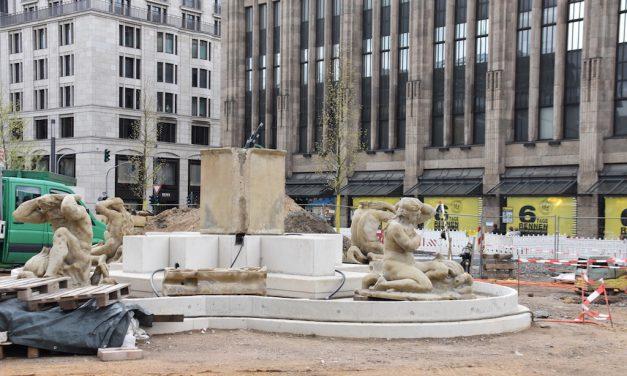 Arbeiten am Schalenbrunnen