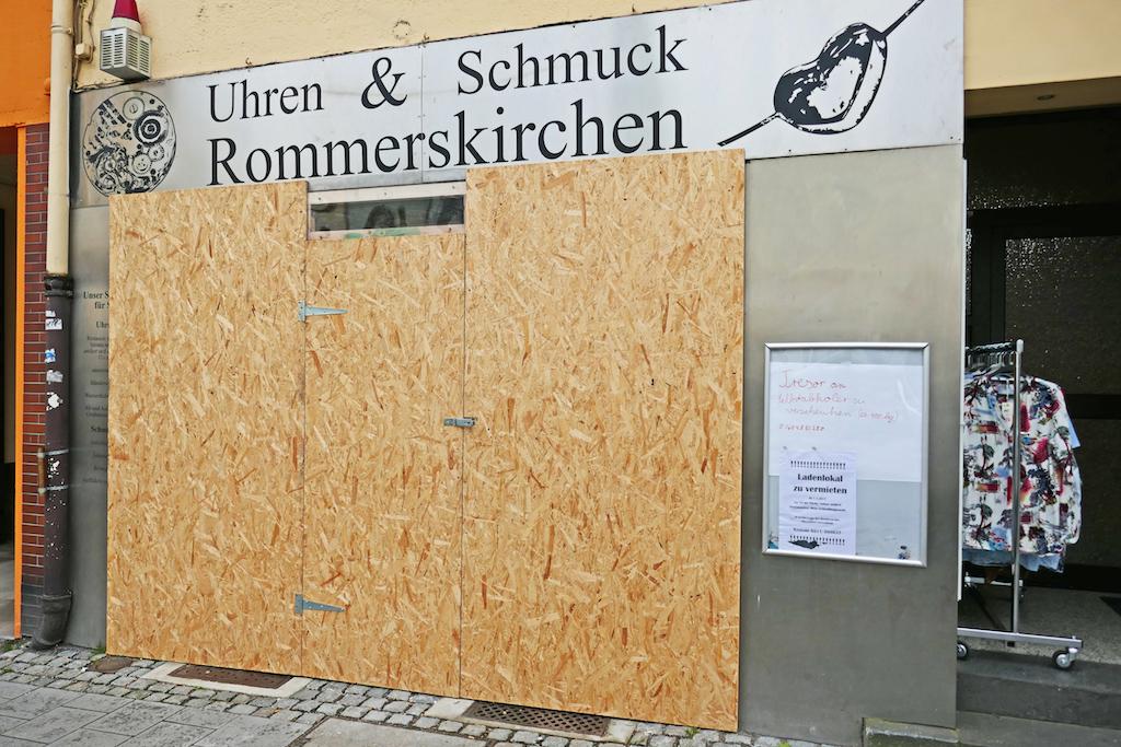 Verschlossener Schmuckladen Foto: LOKALBÜRO