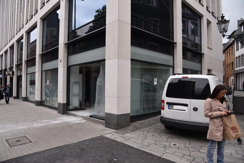 Ehemaliger Diesel Shop Wallstraße Ecke Kasernerstraße Foto: LOKALBÜRO