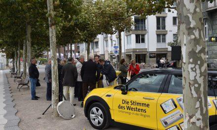 Mobile Redaktion der Rheinischen Post am Rheinufer