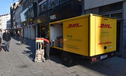 DHL setzt Elektrofahrzeuge in der Innenstadt ein