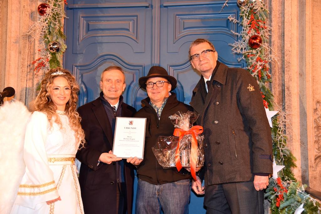 Engel Patrizia, OB Thomas Geisel, Jubilar Enges und Frank Schrader Foto: LOKALBÜRO