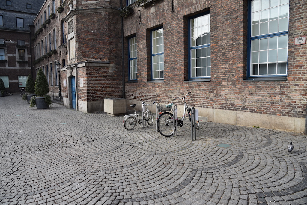 Fahrradständer am Rathaus Foto: LOKALBÜRO
