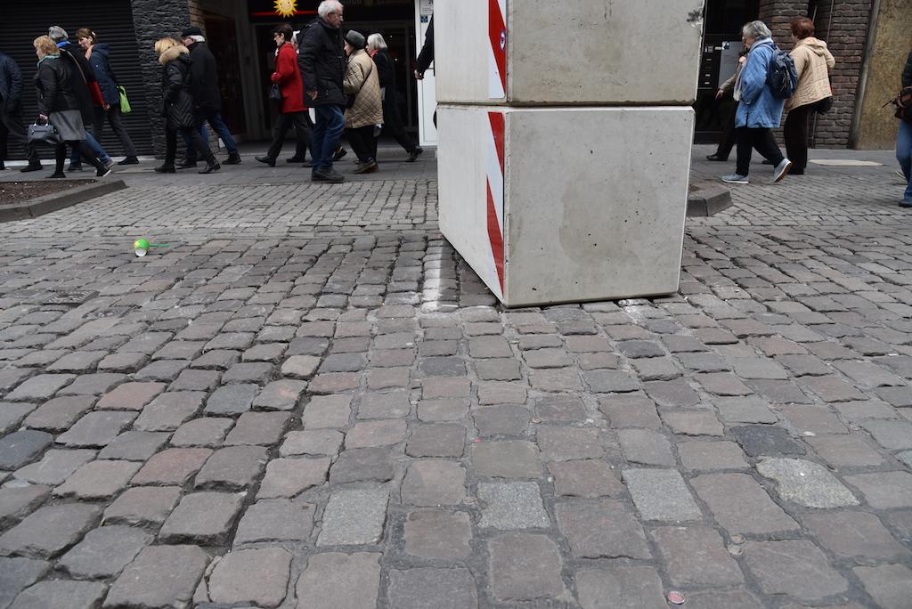 Verschobener Poller Foto: LOKALBÜRO