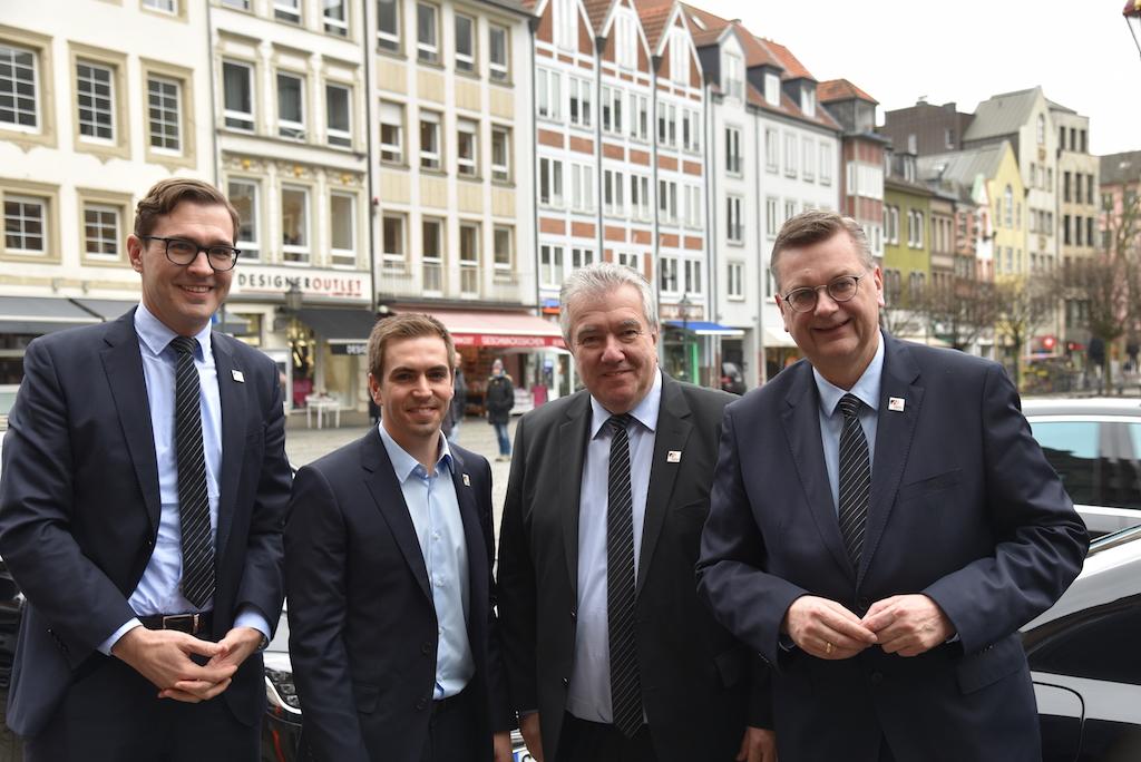 Die Deutsche Delegation Foto: LOKALBÜRO