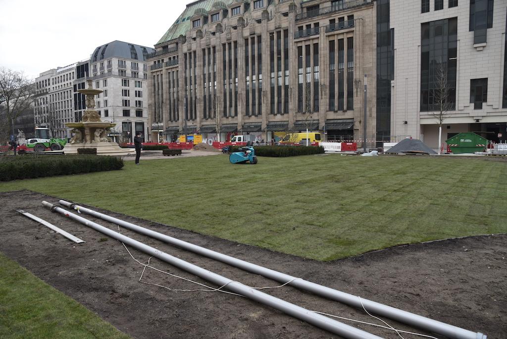 Rollrasen für den Corneliusplatz Foto: LOKALBÜRO
