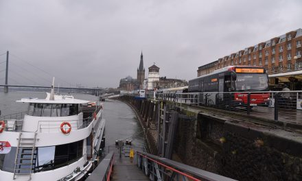 Neu in Düsseldorf: Vom Bus auf'sBoot