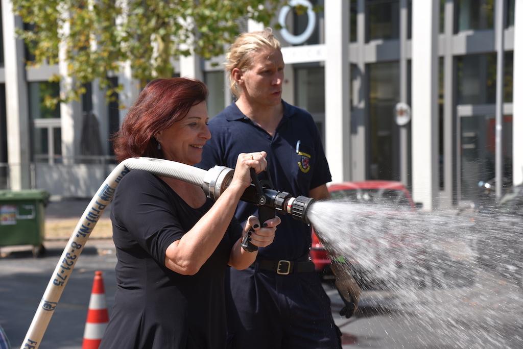 Umweltdezernentin Helga Stulgies und Sven Schwarz Foto: LOKALBÜRO