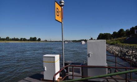 Stromkästen für die Steiger am Rhein