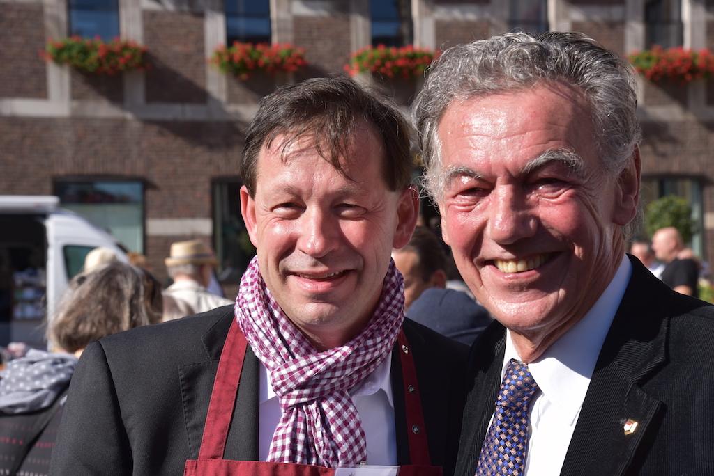 Stadtdirektor Burkhard Hintsche und Wolfgang Rolshofen, Baas der Düsseldorf Jonges Foto: LOKALBÜRO