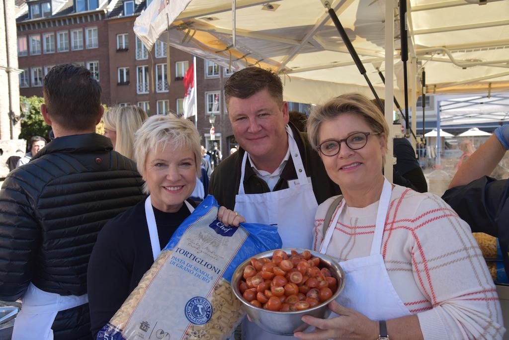 Biggi Lechtermann, Thorsten Chr Ullner und Andrea Spatzek, besser vielleicht bekannt als Gabi Zenker aus der Lindenstraße Foto: LOKALBÜRO