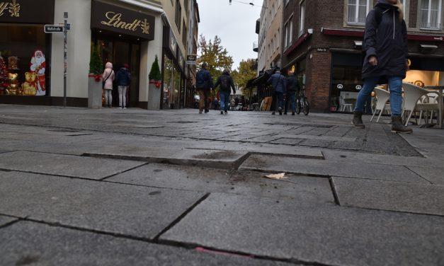 Wieder riesige Stolperfalle auf der Bergerstraße