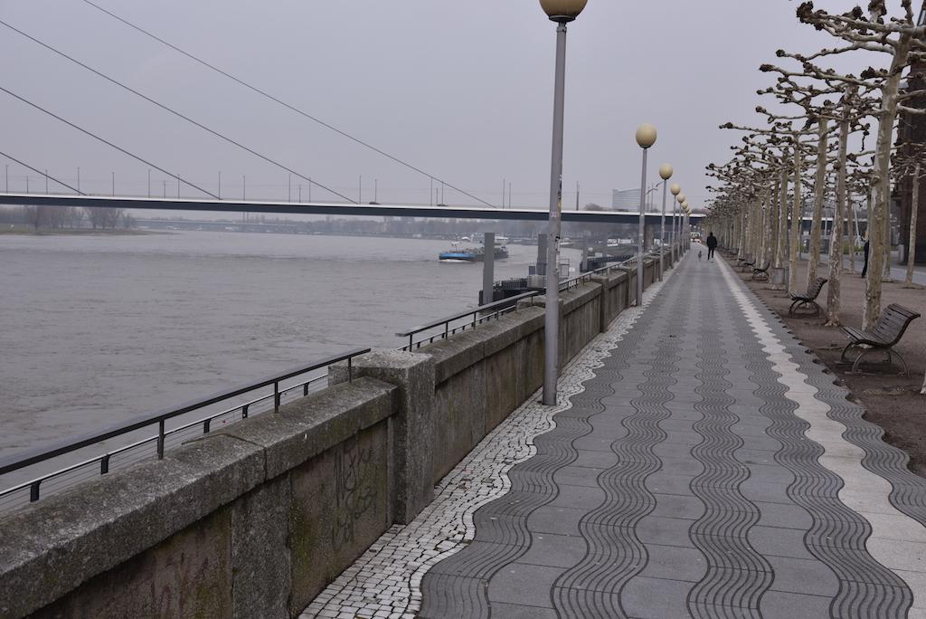 Alte Brüstung an der Rheinpromenade Foto; LOKALBÜRO