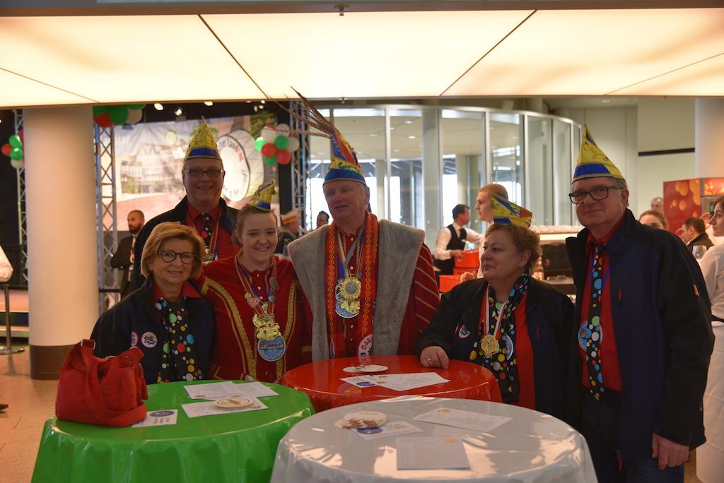 """Prinz Uwe I. und seine Ventia Sabrina I.von der Karnevals Gesellschaft """"Gemeinsam Jeck e.V. Foto: LOKALBÜRO"""