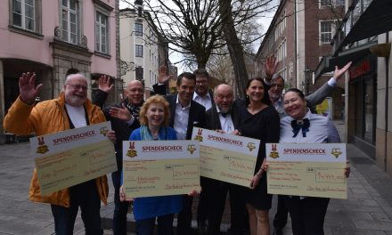 Prinzenpaar verteilt Spenden  in Höhe von 66.666,66