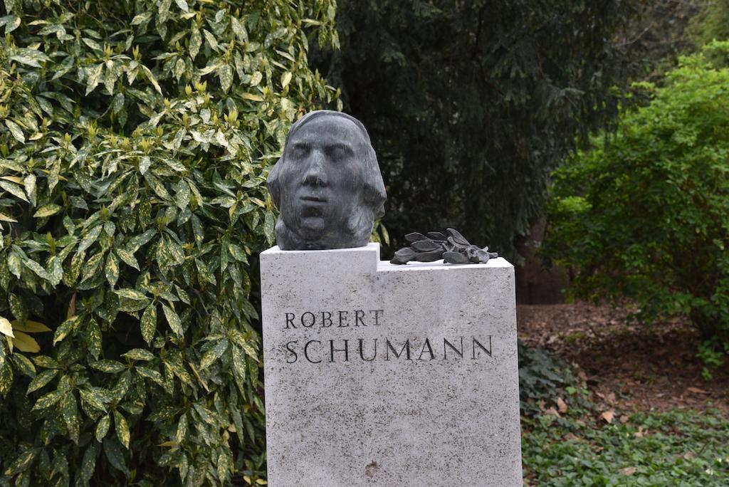 Robert Schumann im Hofgarten Foto: LOKALBÜRO