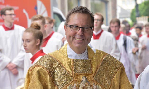 Monsignore Hennes – weiterhin beurlaubt