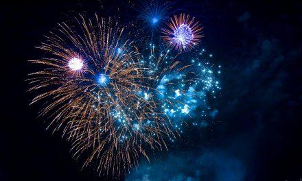 Freitag — Höhenfeuerwerk der Größten Kirmes amRhein