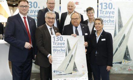"""Düsseldorfer feiern 130. Geburtstag der Segelregatta mit dem """"Klönschnack"""" an Bord der Passat"""