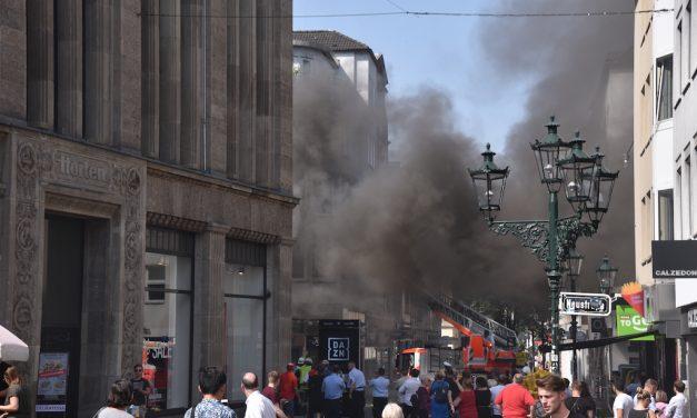 Brand in der Düsseldorfer Altstadt