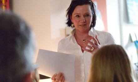 Das kalte Messer des Verrats: Der Kopf der Schlange ein Interview mit der Autorin Stefanie Koch