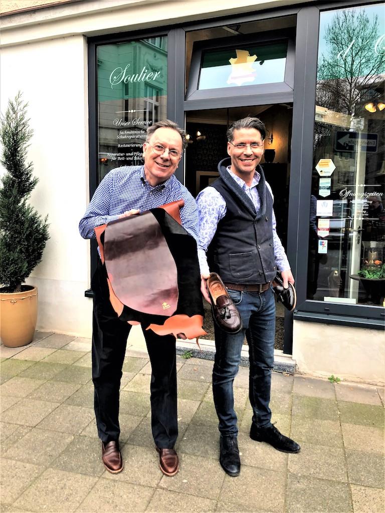 Nordin Haj Haddou (rechts) mit John E. Happ, Marketingchef von Alden