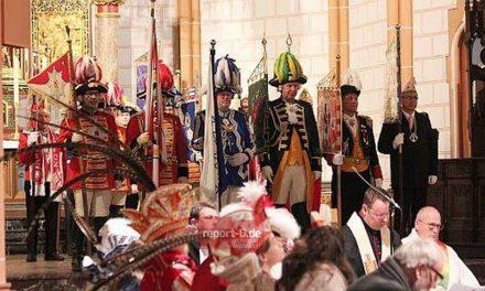 Gottesdienst der Karnevalsvereine mit Willibert Pauels und den Swinging Funfares