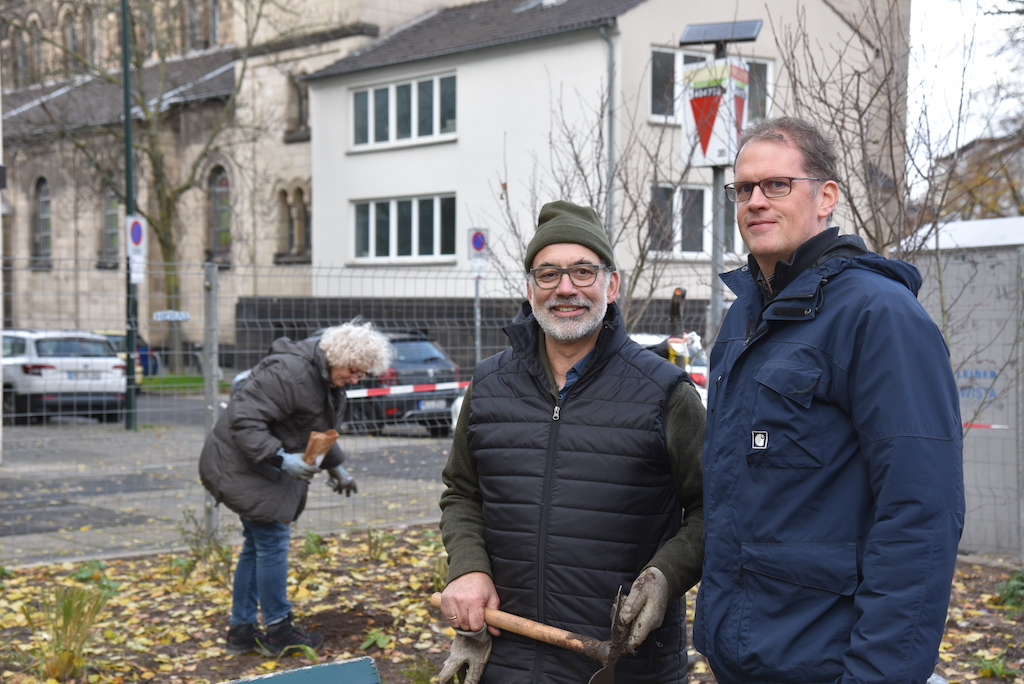 Fachgespräche Peter Menke und Gebietsleite Nord vom Gartenamt Lars Dickmann Foto: LOKALBÜRO