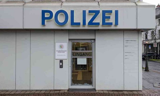 Sachbeschädigung an Eingangstür der Altstadtwache – Festnahme