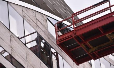 Schäden an der Kö-Bogen Fassade