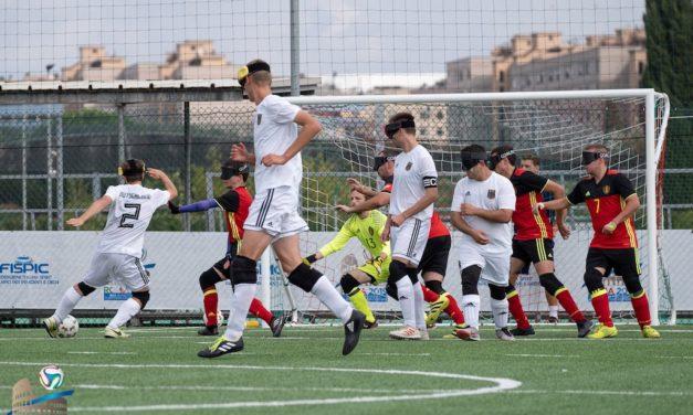 Nationalmannschaft im Blindenfußball trainiert im Arena-Sportpark für internationales Turnier