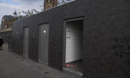 Toilettenanlage am Burgplatz defekt und verkommen