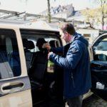 Taxizentrale gibt Desinfektionsmittel aus