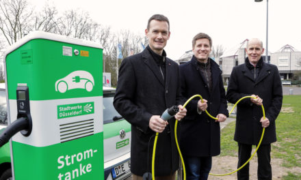 Generationswechsel im Nordpark: Neue Elektro-Ladesäule am Aquazoo