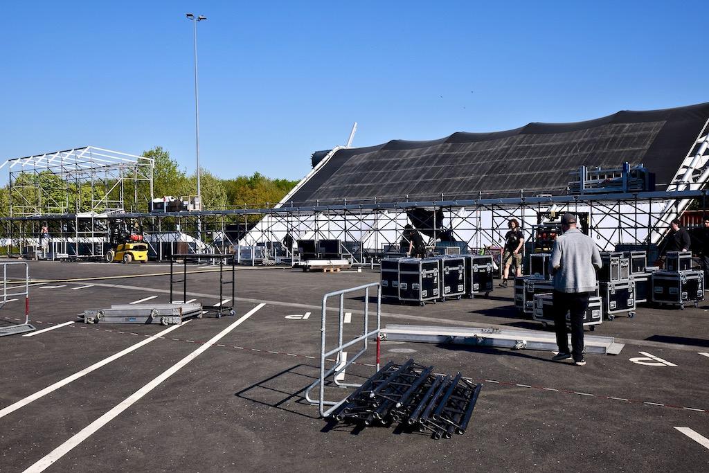 Bühnenaufbau für Brinks Foto: LOKALBÜRO