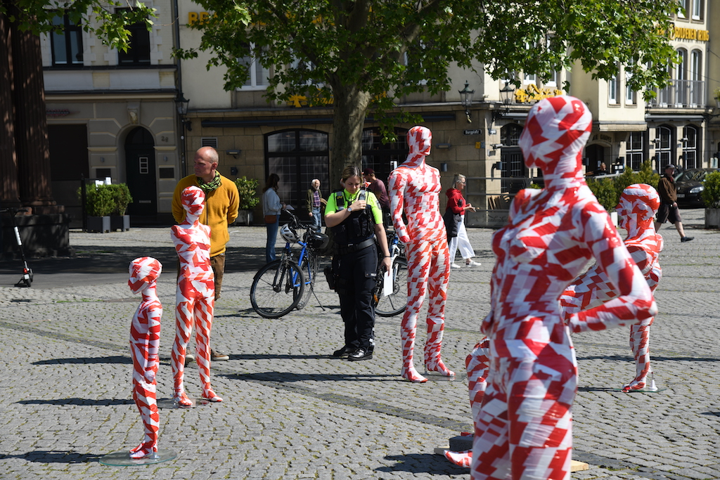 Überprüfung durch die Polizei Foto: LOKALBÜRO