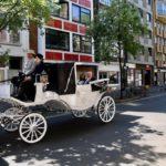 Statt Hochzeitsfeier – Kutschfahrt durch Düsseldorf