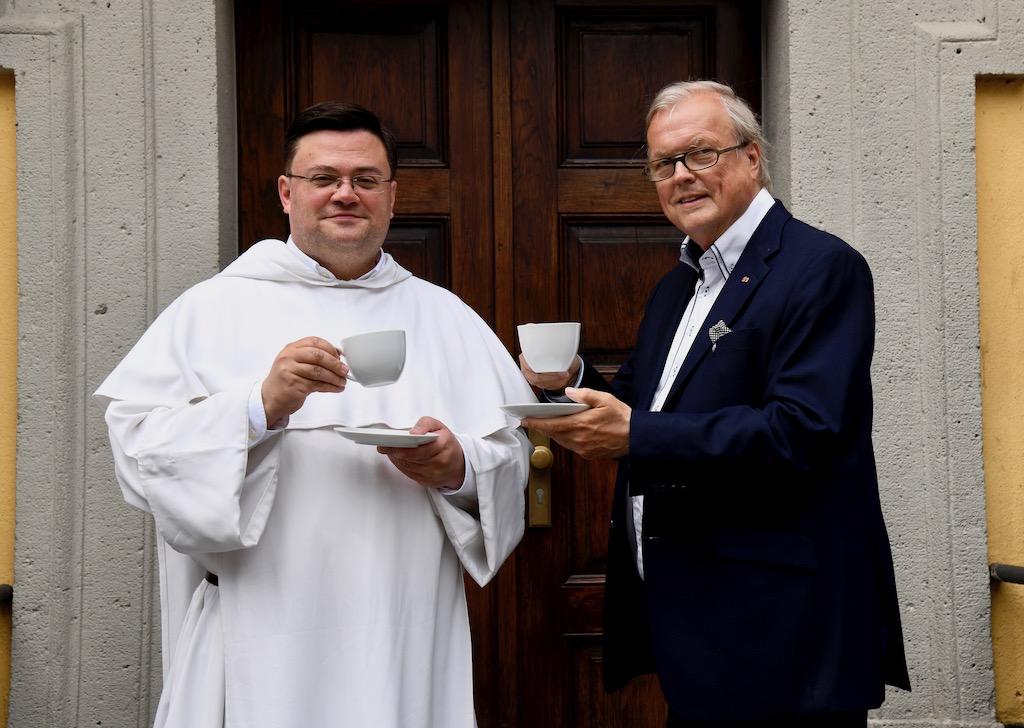 Pater Elias Füllenbach und Heribert Klein Unicef Foto: LOKALBÜRO