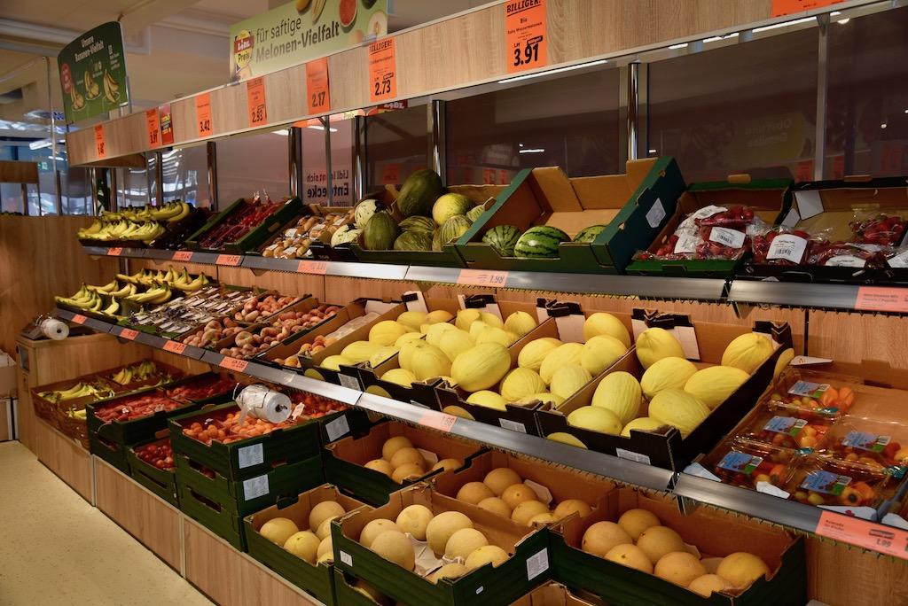 Obstabteilung und Gemüseabteilung Foto: LOKALBÜRO