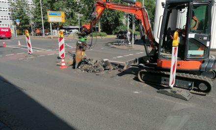 Maximilian-Weyhe-Allee: Fahrbahneinbruch sorgt für Verkehrseinschränkungen