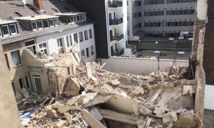 Folgemeldung: Wohngebäude zum Teil eingestürzt — zweiter vermisster Bauarbeiter wurde tot gefunden