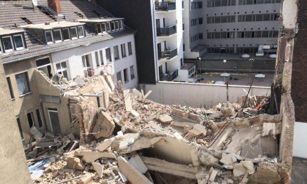 Folgemeldung: Wohngebäude zum Teil eingestürzt – zweiter vermisster Bauarbeiter wurde tot gefunden