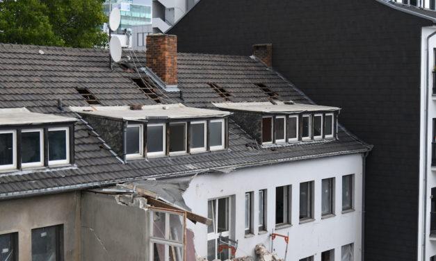 Folgemeldung: Wohngebäude zum Teil eingestürzt- zweiter Bauarbeiter weiter vermisst